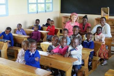 Im Klassenraum mit der Organisatorin Frau Ingrid Miertsch