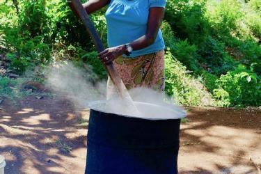 bisheriges Kochen fuer alle 213 Kinder und 16 Lehrer und Lehrerinnen