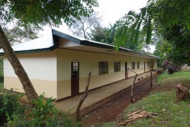 die von Grund auf renovierten Klassenraeume auf der Ostseite